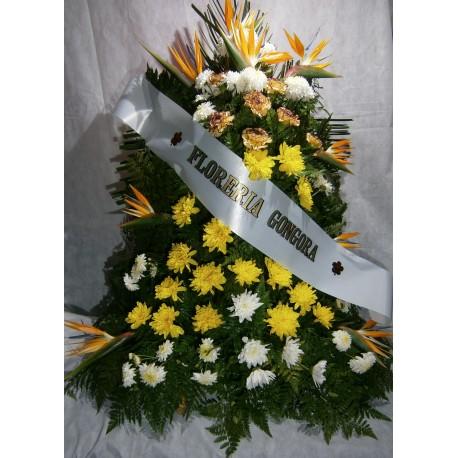 Palma de piso con 3 variedades de flores
