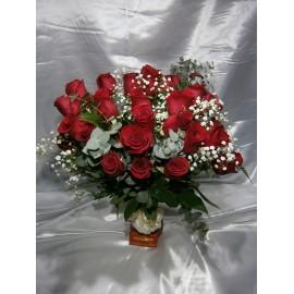 Florero 24 rosas rojas redondo
