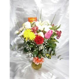 florero flores variadas
