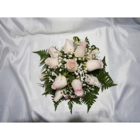 Centro de mesa redondo con  12 rosas