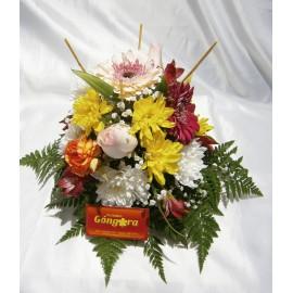 Centro de mesa red. flores variadas