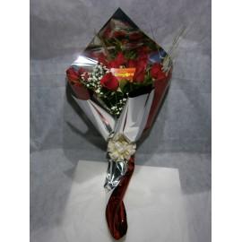 Manojo de 12 rosas importadas