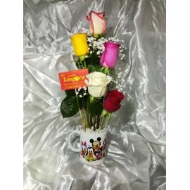 Taza cumpleaños con 5 rosas