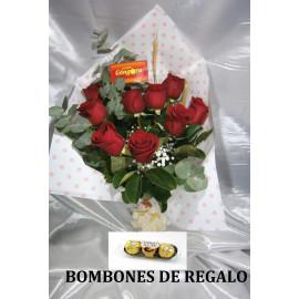 Manojo con 9 rosas rojas (BOMBONES DE REGALO)
