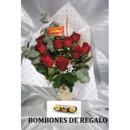 Manojo con 9 rosas rojas
